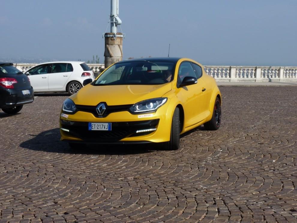 Renault Megane Coupè RS 16V 265 CV prova su strada - Foto 16 di 24