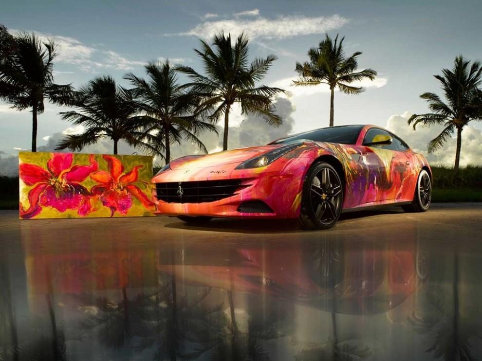 Ferrari FF trasformata in un'opera d'arte - Foto 10 di 25