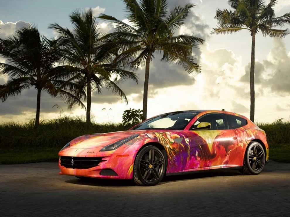 Ferrari FF trasformata in un'opera d'arte - Foto 11 di 25