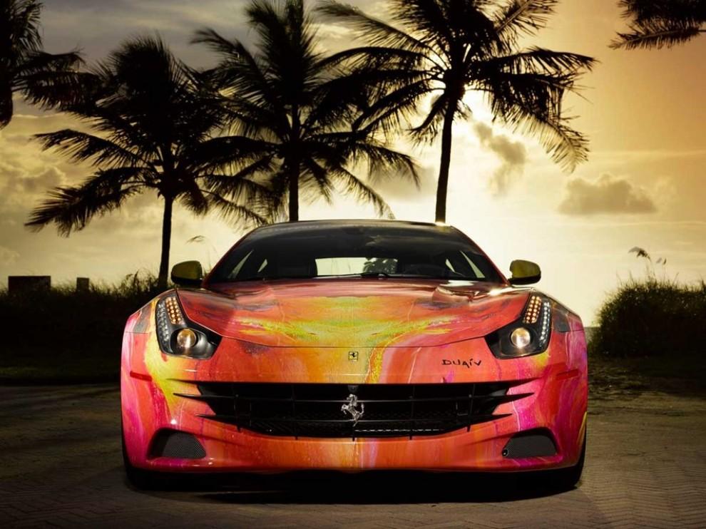 Ferrari FF trasformata in un'opera d'arte - Foto 12 di 25