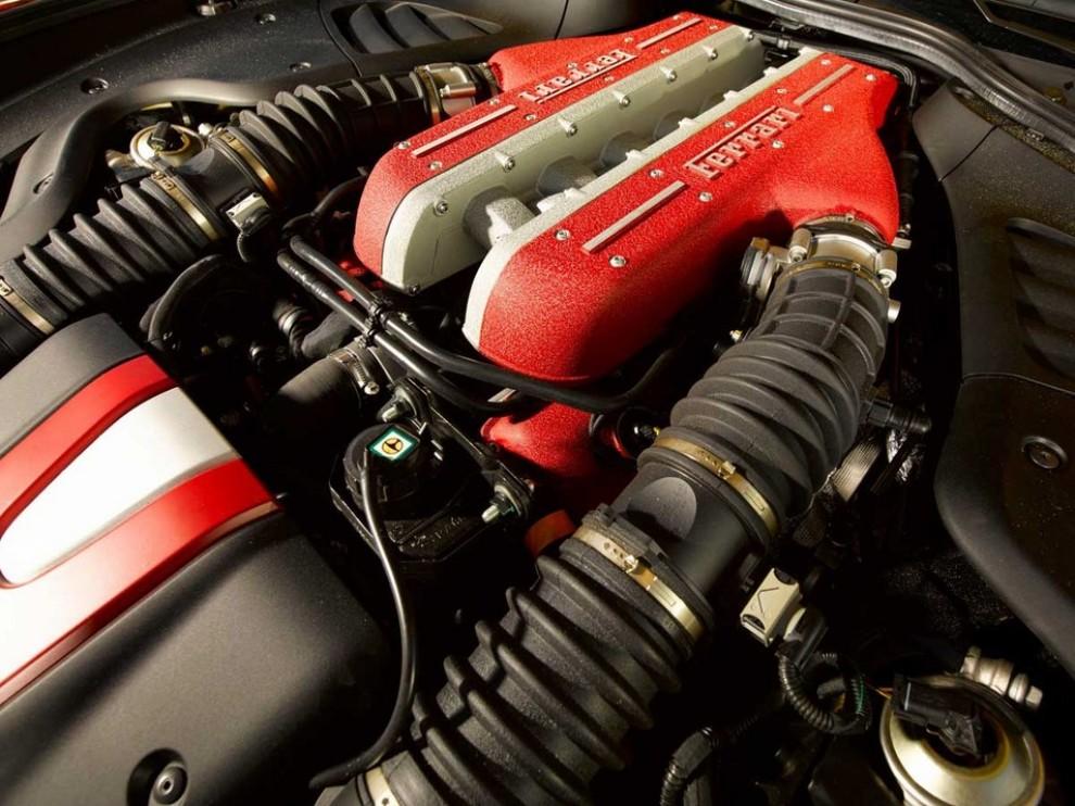 Ferrari FF trasformata in un'opera d'arte - Foto 17 di 25