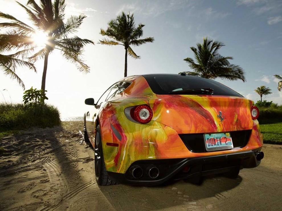 Ferrari FF trasformata in un'opera d'arte - Foto 24 di 25