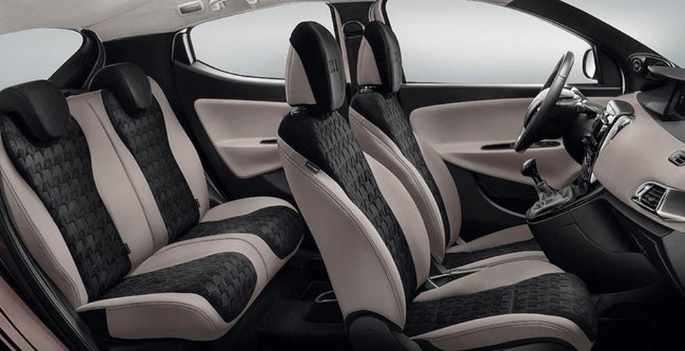 Lancia ypsilon elle infomotori for Interno ypsilon elefantino