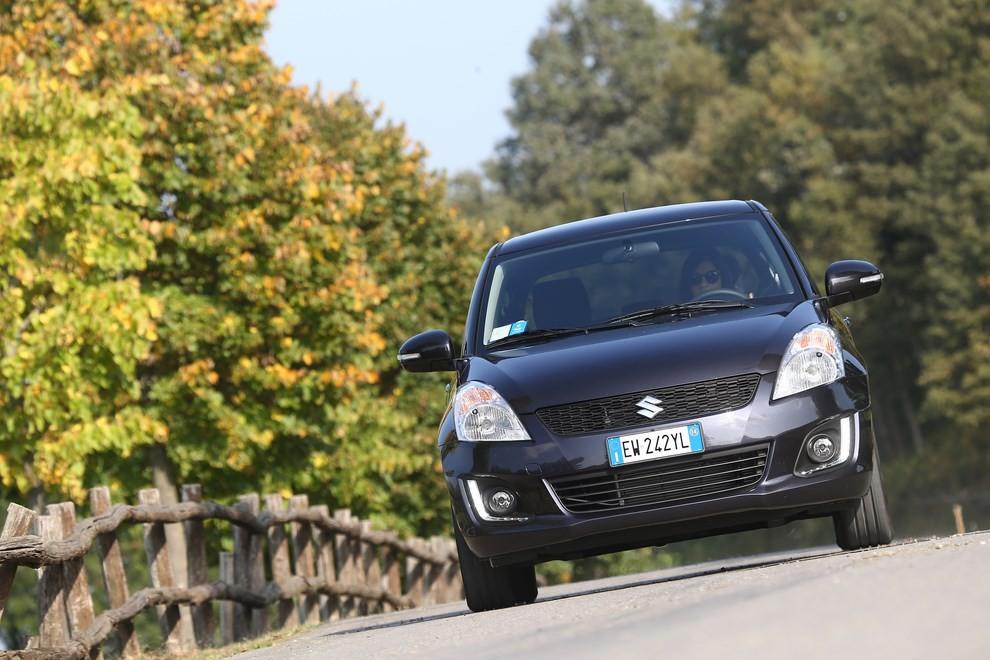 Suzuki Swift 4×4 prova su strada e prezzi della versione a trazione integrale - Foto 13 di 19