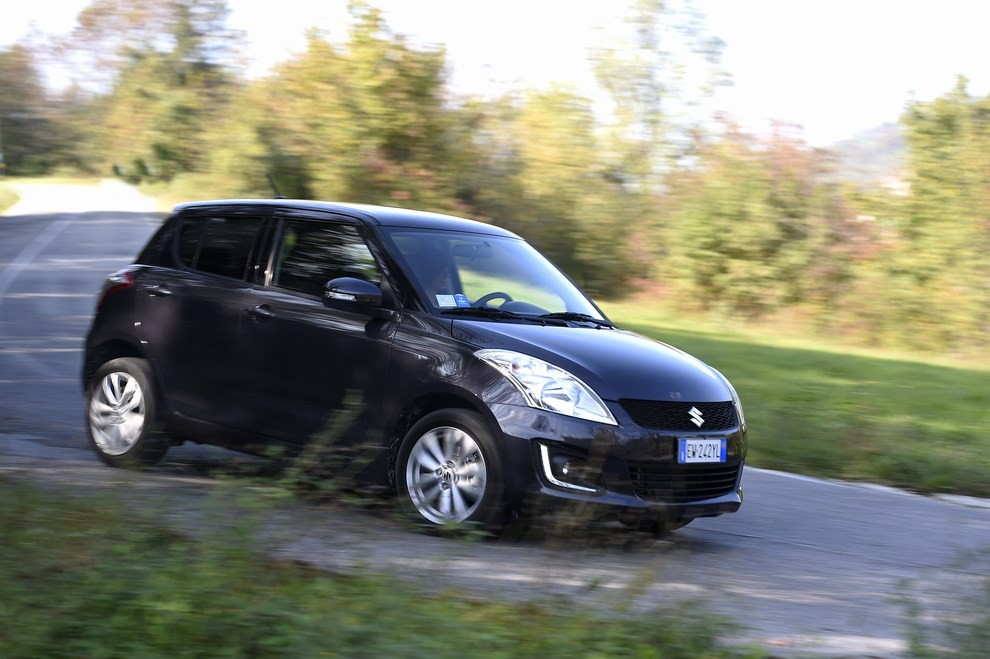Suzuki Swift 4×4 prova su strada e prezzi della versione a trazione integrale - Foto 4 di 19