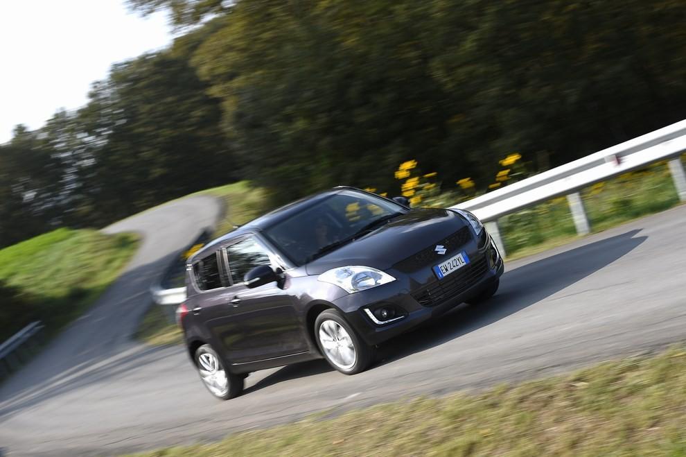 Suzuki Swift 4×4 prova su strada e prezzi della versione a trazione integrale - Foto 5 di 19