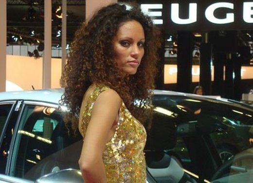 Le ragazze più belle al Motor Show di Bologna