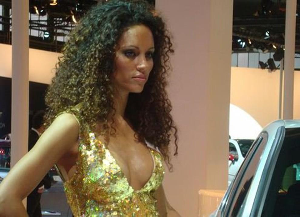 Le ragazze più belle al Motor Show di Bologna - Foto 2 di 12