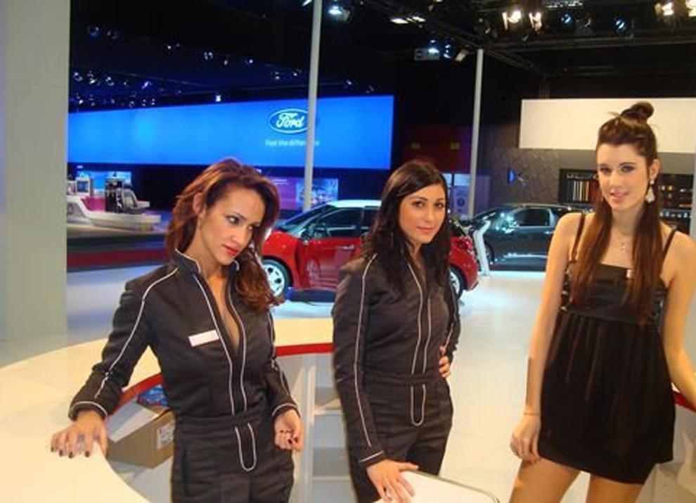 Le ragazze più belle al Motor Show di Bologna - Foto 4 di 12