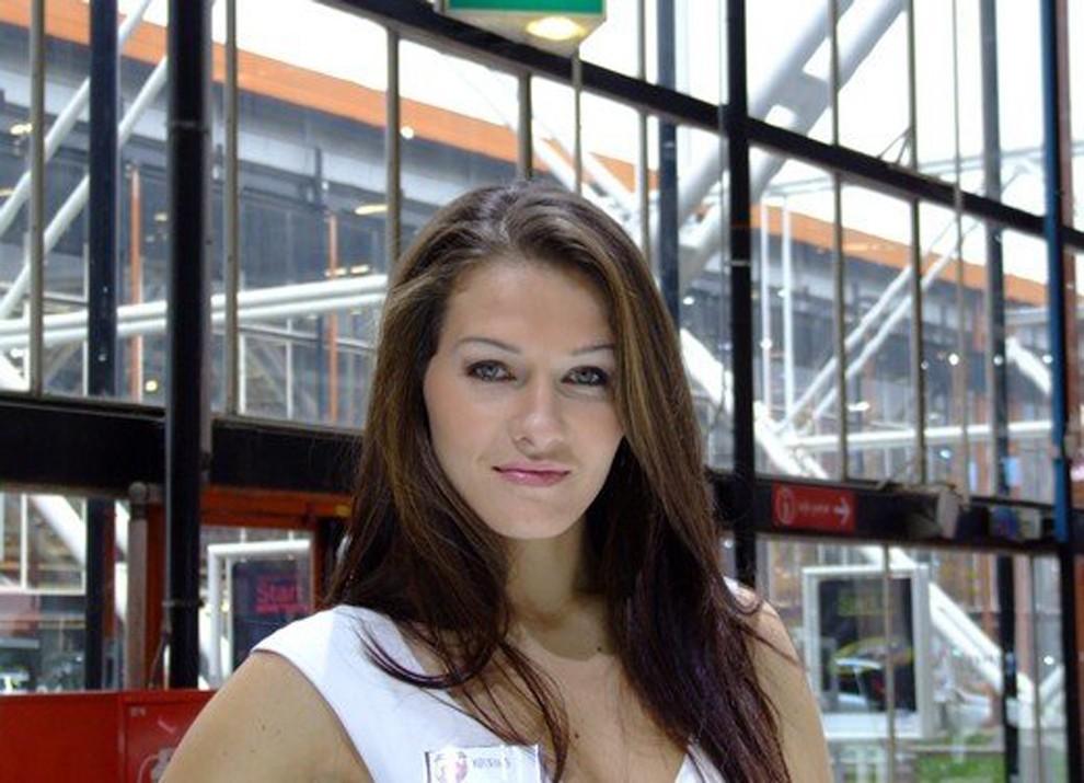 Le ragazze più belle al Motor Show di Bologna - Foto 8 di 12