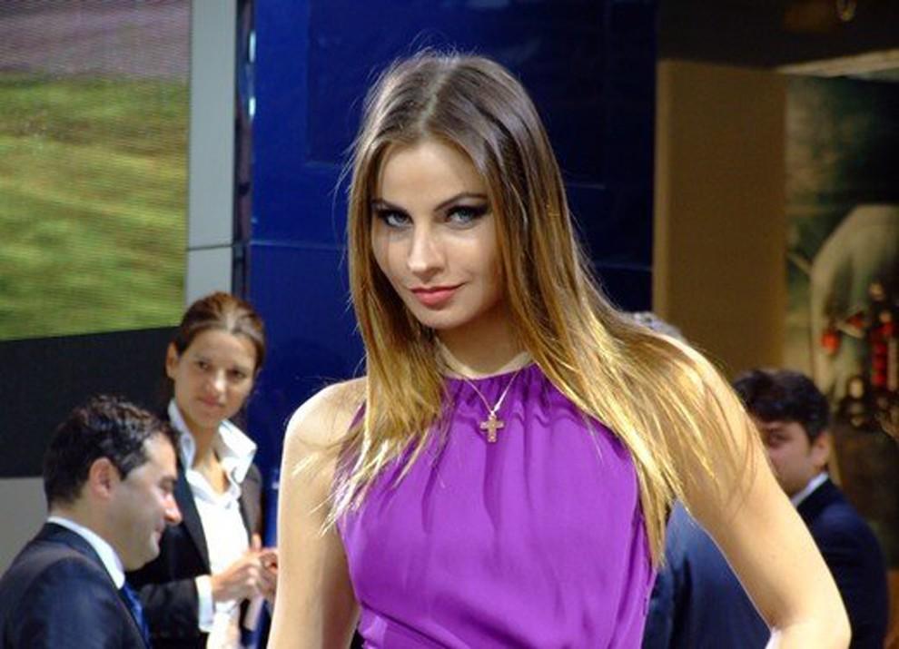 Le ragazze più belle al Motor Show di Bologna - Foto 12 di 12