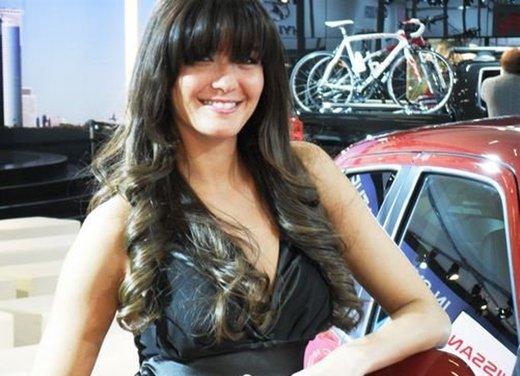Le ragazze più sexy al Motor Show di Bologna in un'ampia gallery