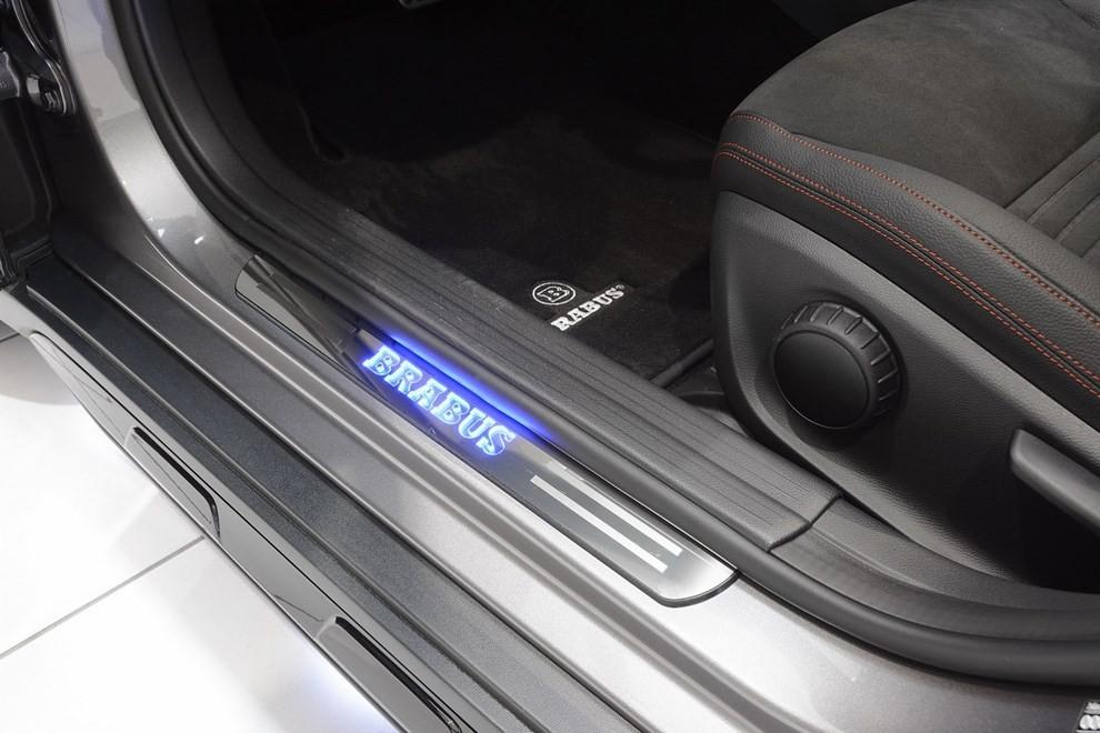 Mercedes GLA 45 AMG da 400 CV elaborata da Brabus - Foto 21 di 33
