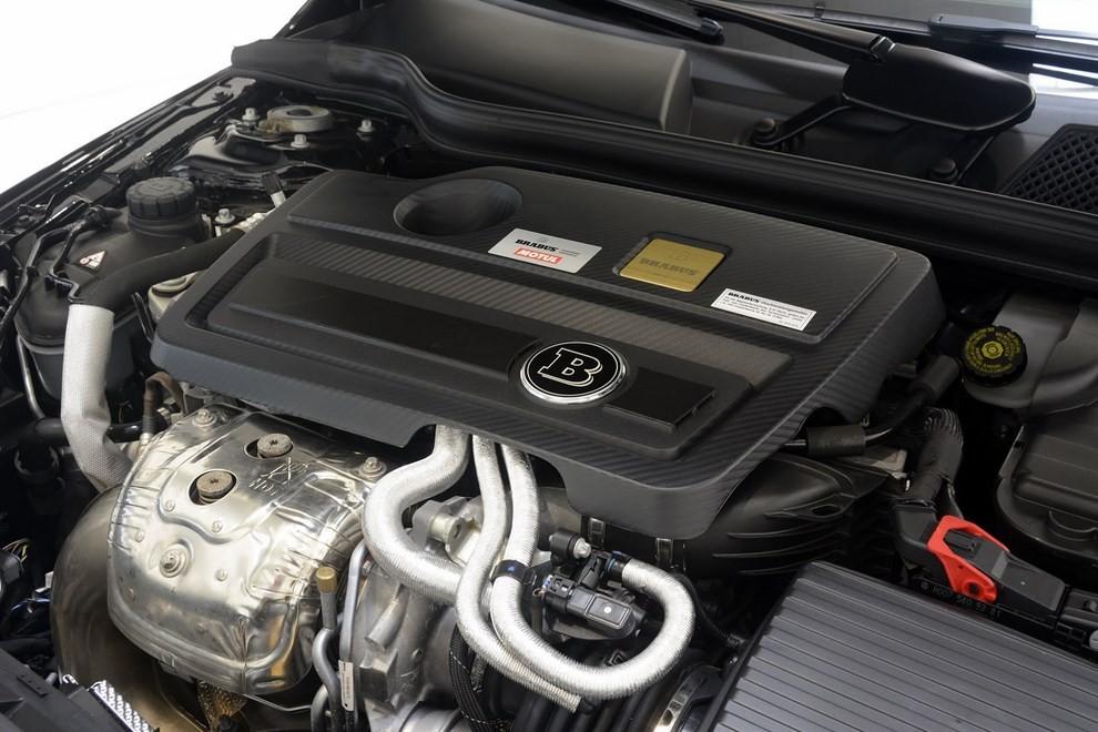 Mercedes GLA 45 AMG da 400 CV elaborata da Brabus - Foto 30 di 33