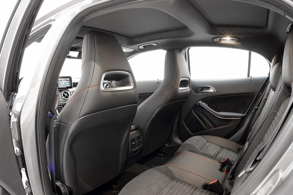 Mercedes GLA 45 AMG da 400 CV elaborata da Brabus - Foto 1 di 33