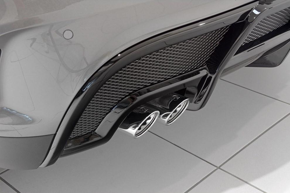 Mercedes GLA 45 AMG da 400 CV elaborata da Brabus - Foto 17 di 33
