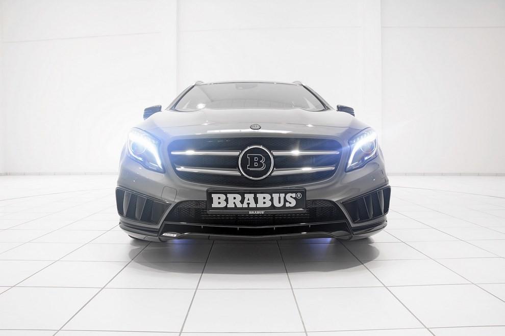 Mercedes GLA 45 AMG da 400 CV elaborata da Brabus - Foto 19 di 33