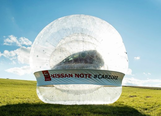 Nissan Note e CarZorb per rappresentare al meglio la tecnologia Safety Shield
