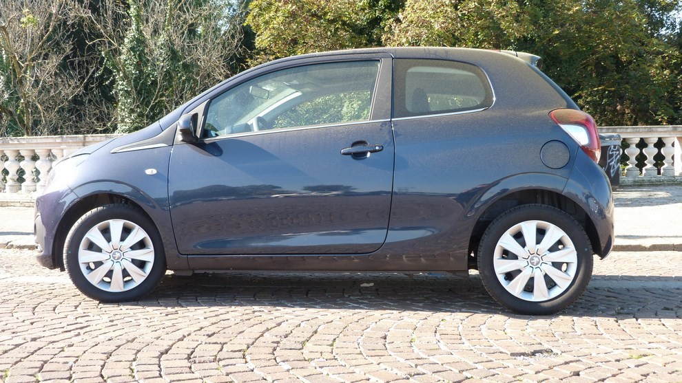 Peugeot 108 prova su strada, prezzi ed equipaggiamenti - Foto 31 di 31