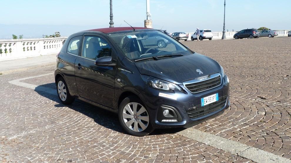 Peugeot 108 prova su strada, prezzi ed equipaggiamenti - Foto 7 di 31