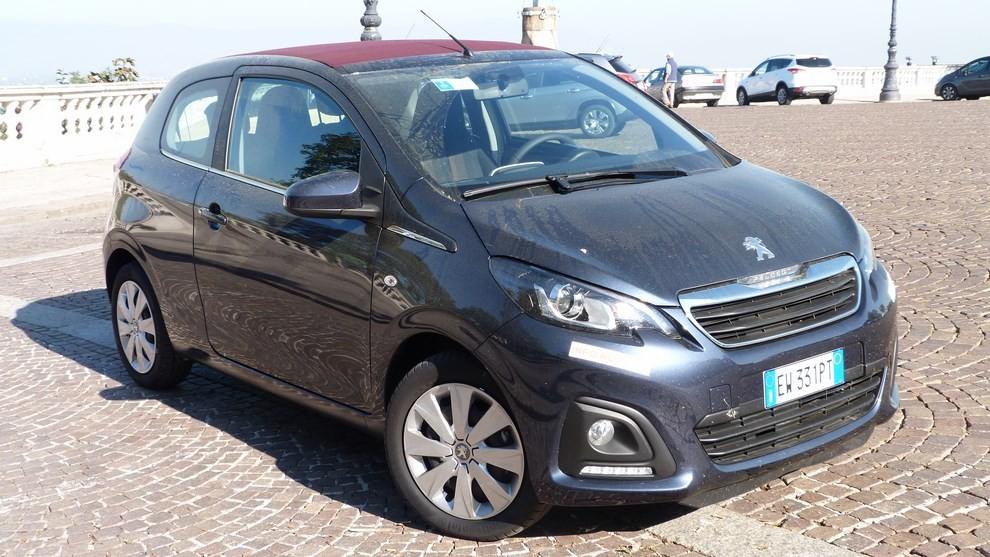 Peugeot 108 prova su strada, prezzi ed equipaggiamenti - Foto 8 di 31