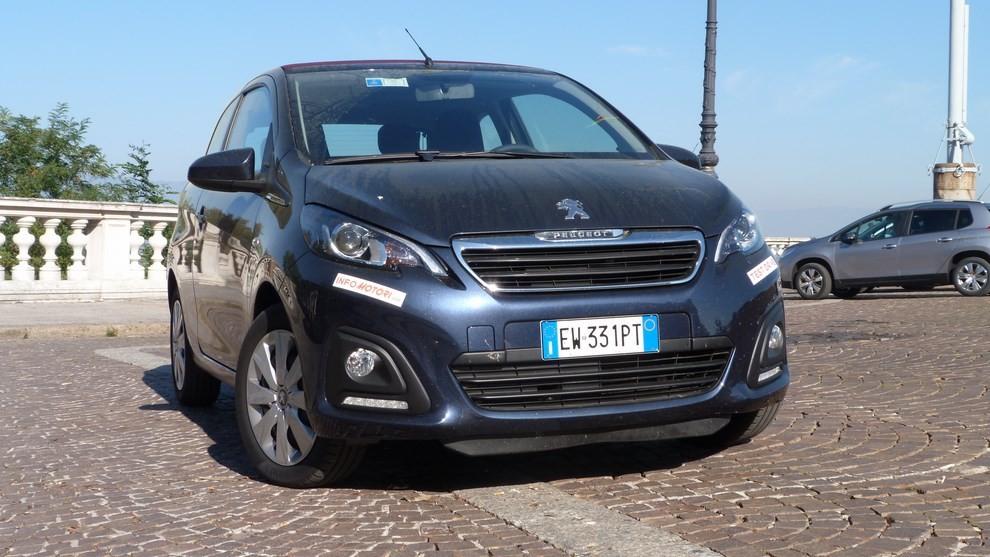 Peugeot 108 prova su strada, prezzi ed equipaggiamenti - Foto 10 di 31