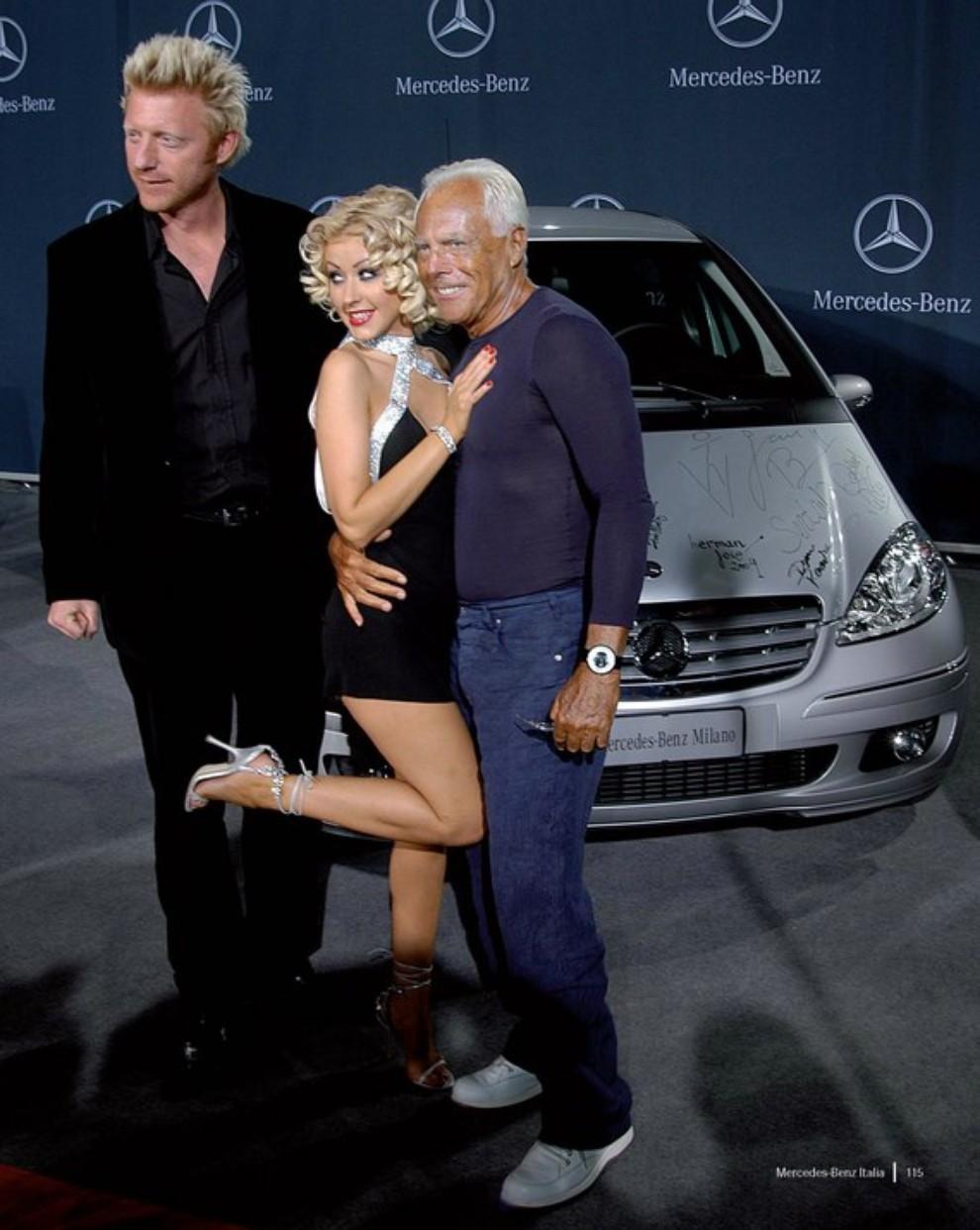 Mercedes benz italia festeggia i suoi primi 40 anni con 1 for Mercedes benz staff
