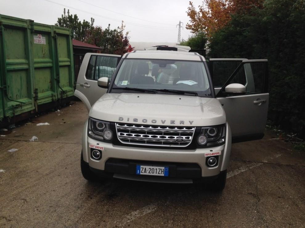 Land Rover Discovery 4 prova su strada e fuoristrada - Foto 21 di 27