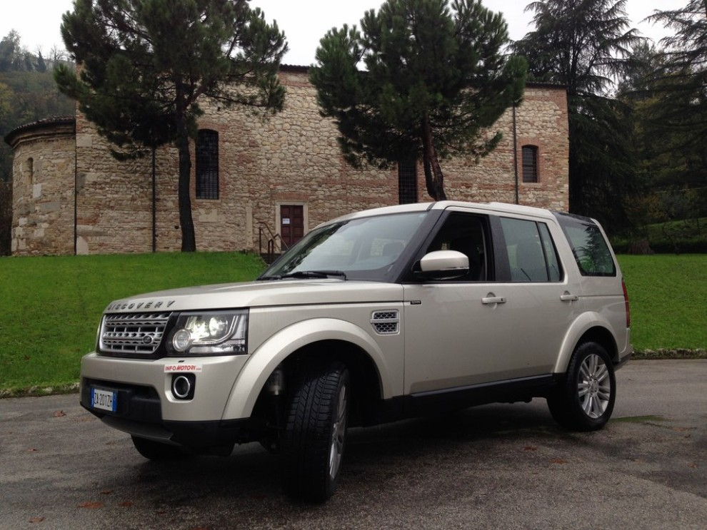 Land Rover Discovery 4 prova su strada e fuoristrada - Foto 14 di 27