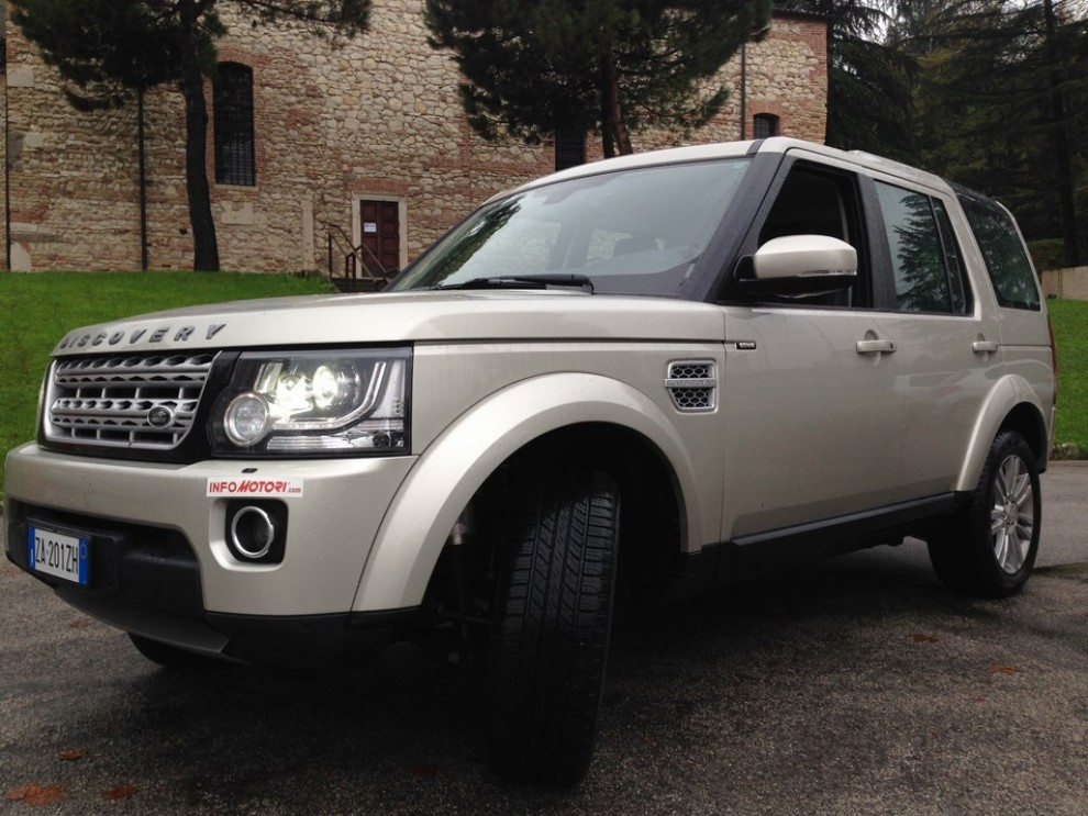 Land Rover Discovery 4 prova su strada e fuoristrada - Foto 3 di 27