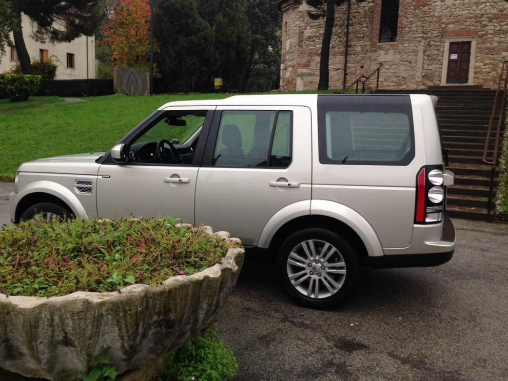 Land Rover Discovery 4 prova su strada e fuoristrada - Foto 6 di 27