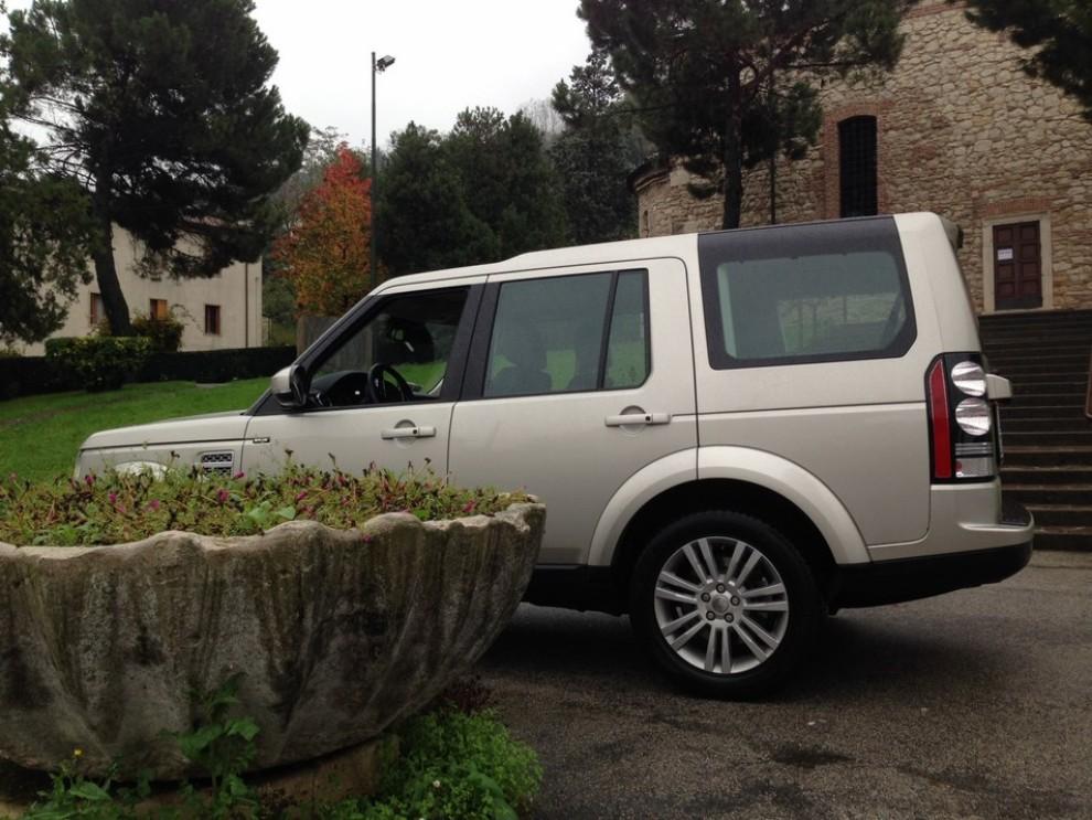 Land Rover Discovery 4 prova su strada e fuoristrada - Foto 15 di 27