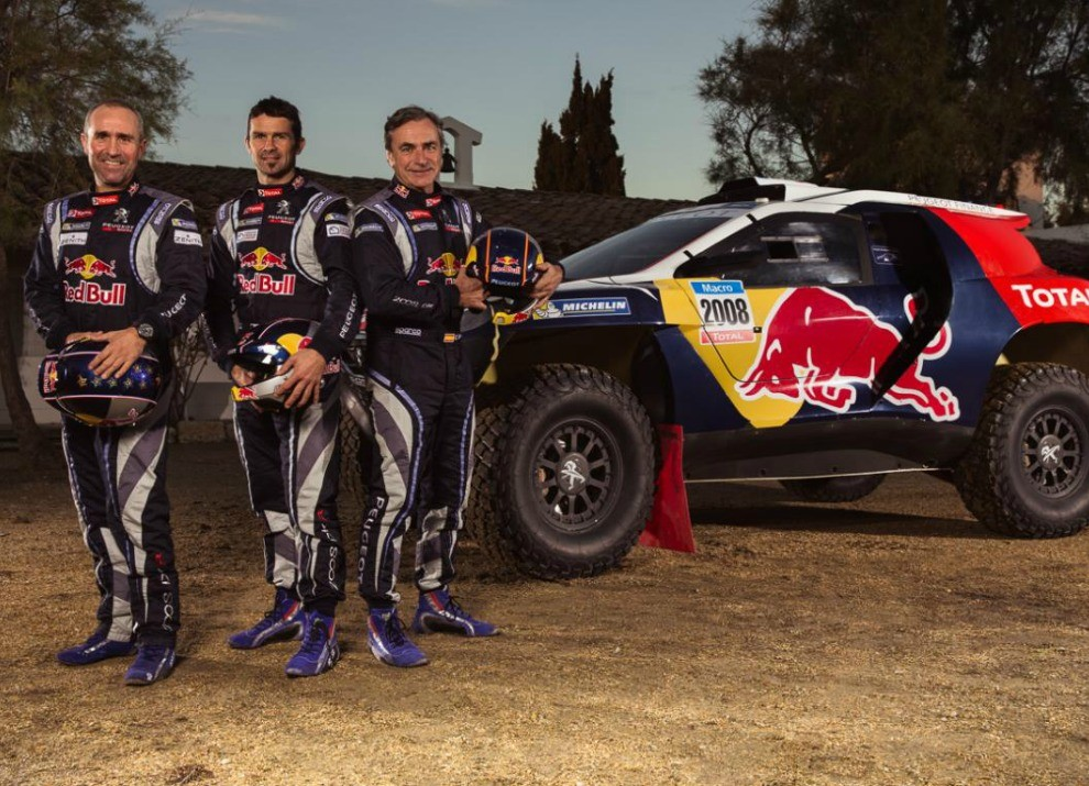 Peugeot 2008 DKR con motore biturbo Diesel per la Dakar 2015 - Foto 1 di 3