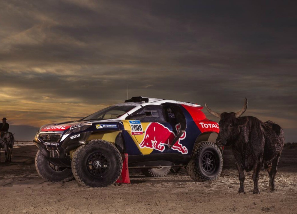 Peugeot 2008 DKR con motore biturbo Diesel per la Dakar 2015 - Foto 2 di 3