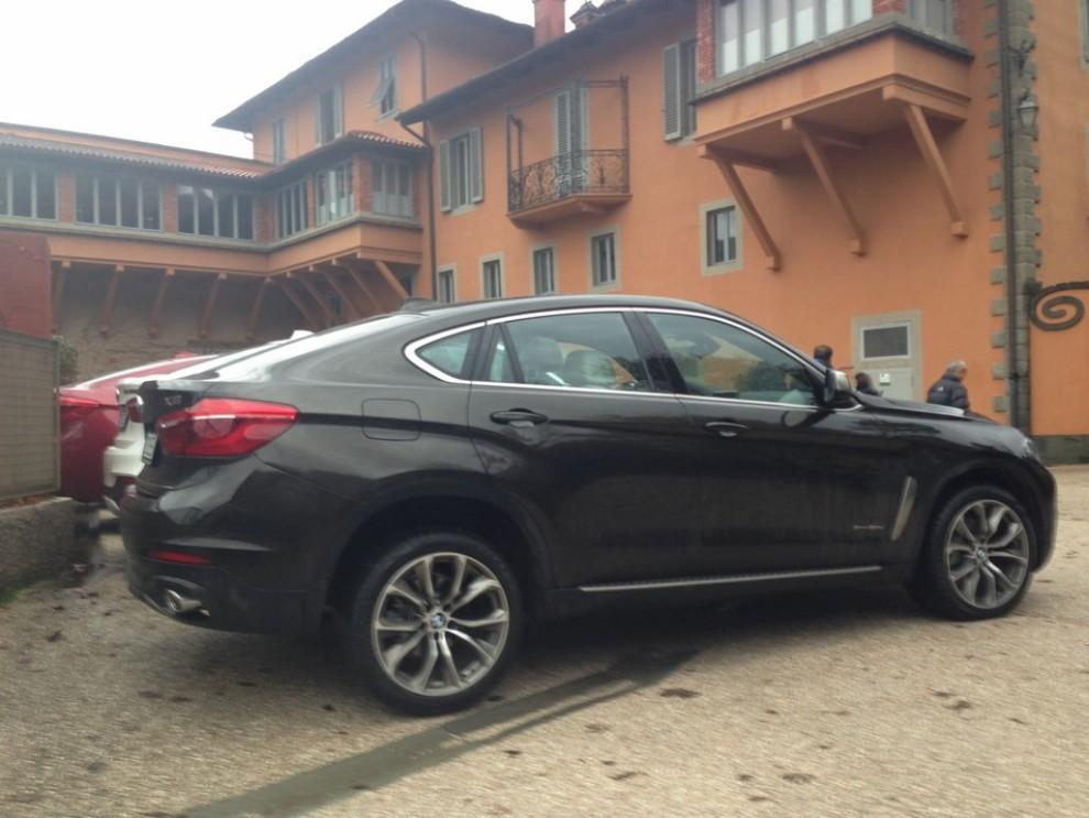 Nuova BMW X6 prova su strada, motorizzazioni e prezzi da 70.890 euro - Foto 3 di 25