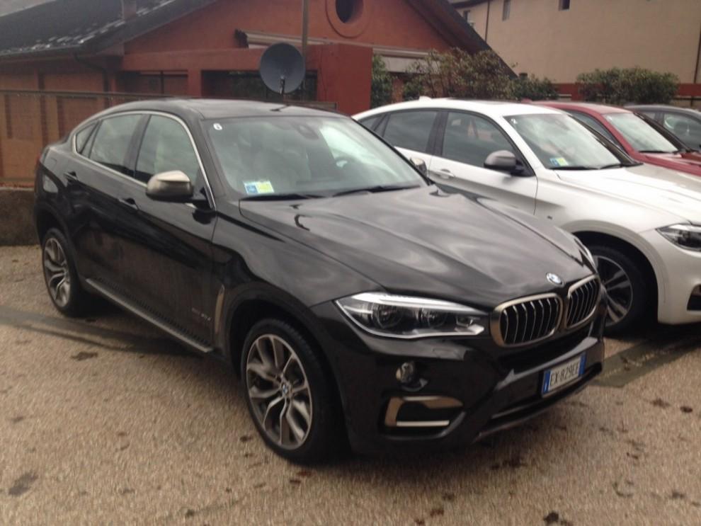 Nuova BMW X6 prova su strada, motorizzazioni e prezzi da 70.890 euro - Foto 4 di 25