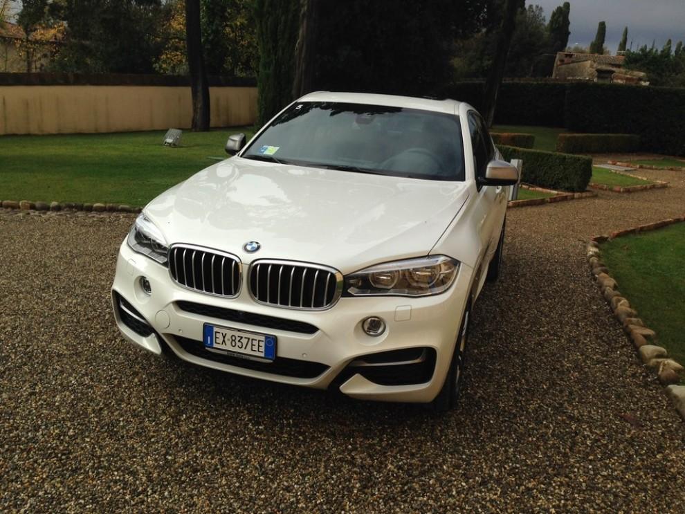 Nuova BMW X6 prova su strada, motorizzazioni e prezzi da 70.890 euro - Foto 24 di 25