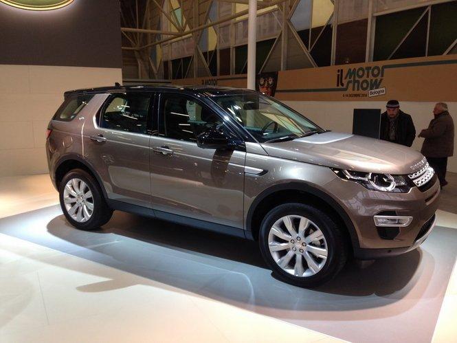 Nuova Land Rover Discovery Sport gamma motori e prestazioni