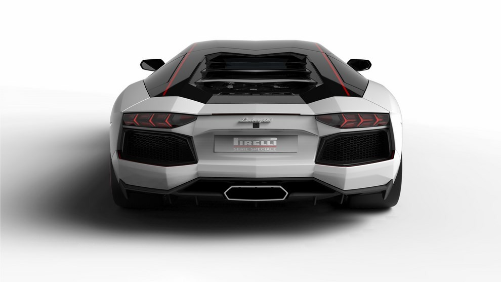 Lamborghini Aventador LP 700-4 Pirelli Edition - Foto 2 di 4