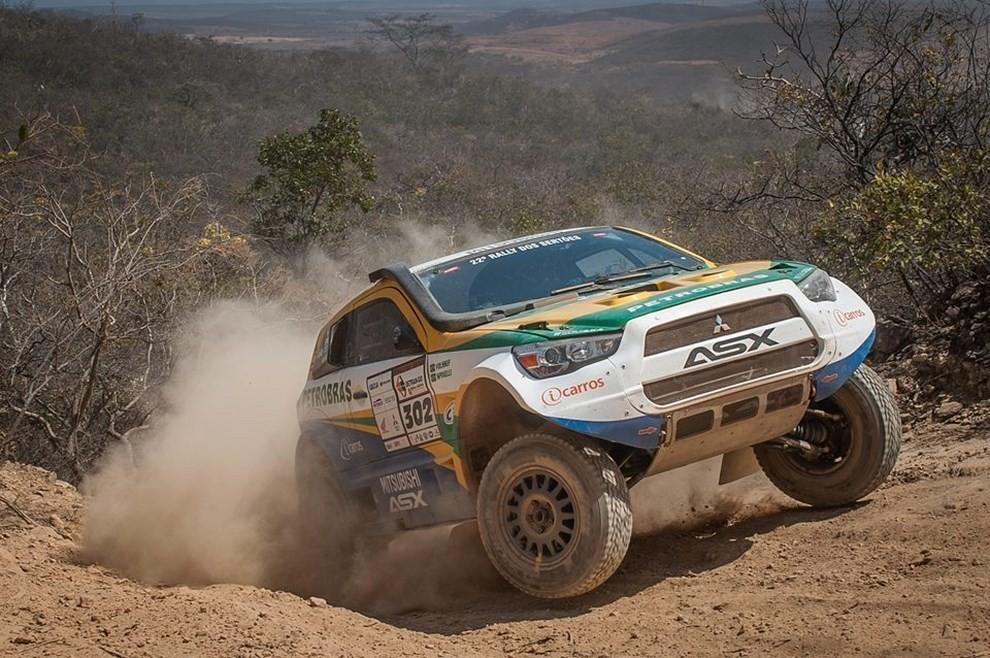 Auto Dakar 2015: le auto dei team principali - Foto 25 di 42