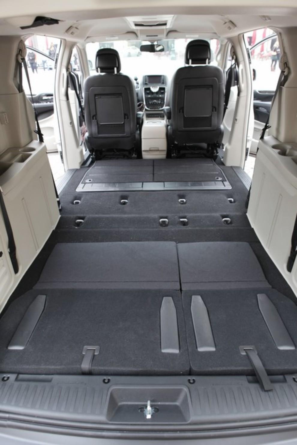 le 10 auto con il bagagliaio pi capiente divise per categoria infomotori. Black Bedroom Furniture Sets. Home Design Ideas