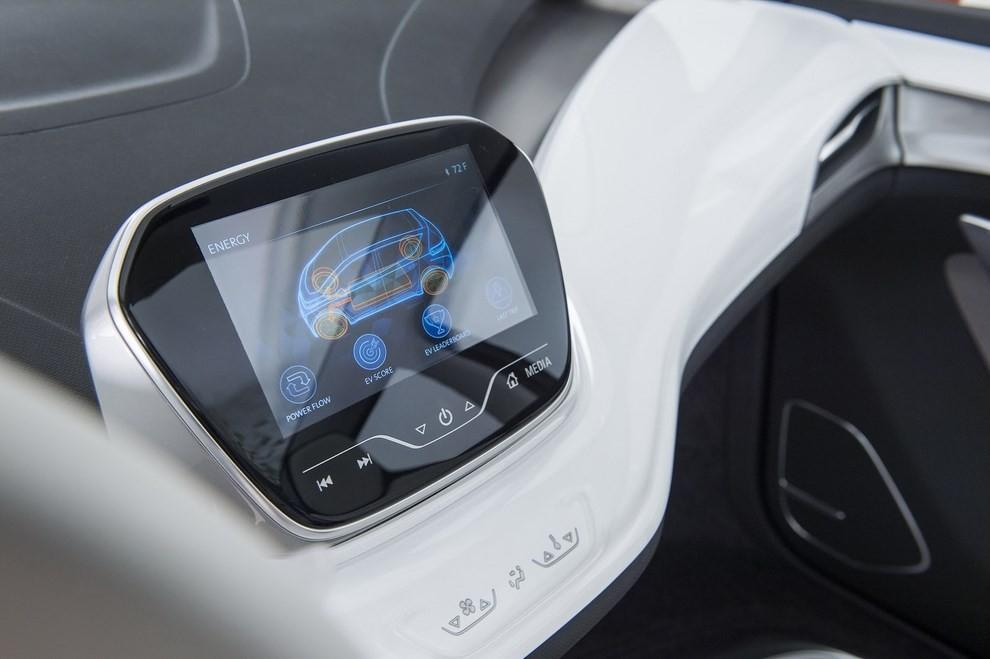 Chevrolet Bolt EV: l'elettrica per il salone di Detroit - Foto 3 di 10