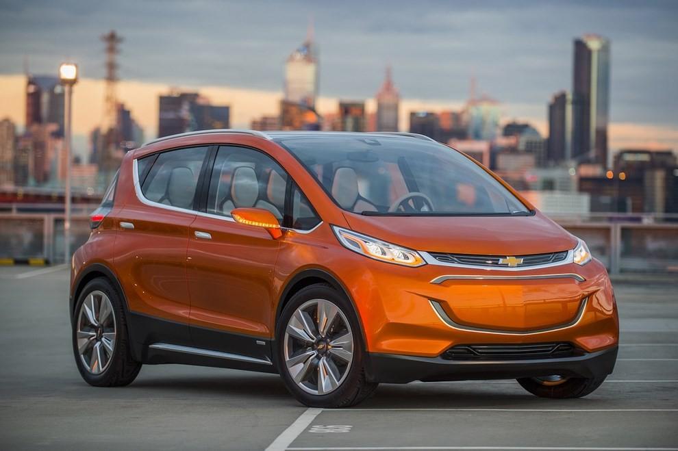 Chevrolet Bolt EV: l'elettrica per il salone di Detroit - Foto 6 di 10