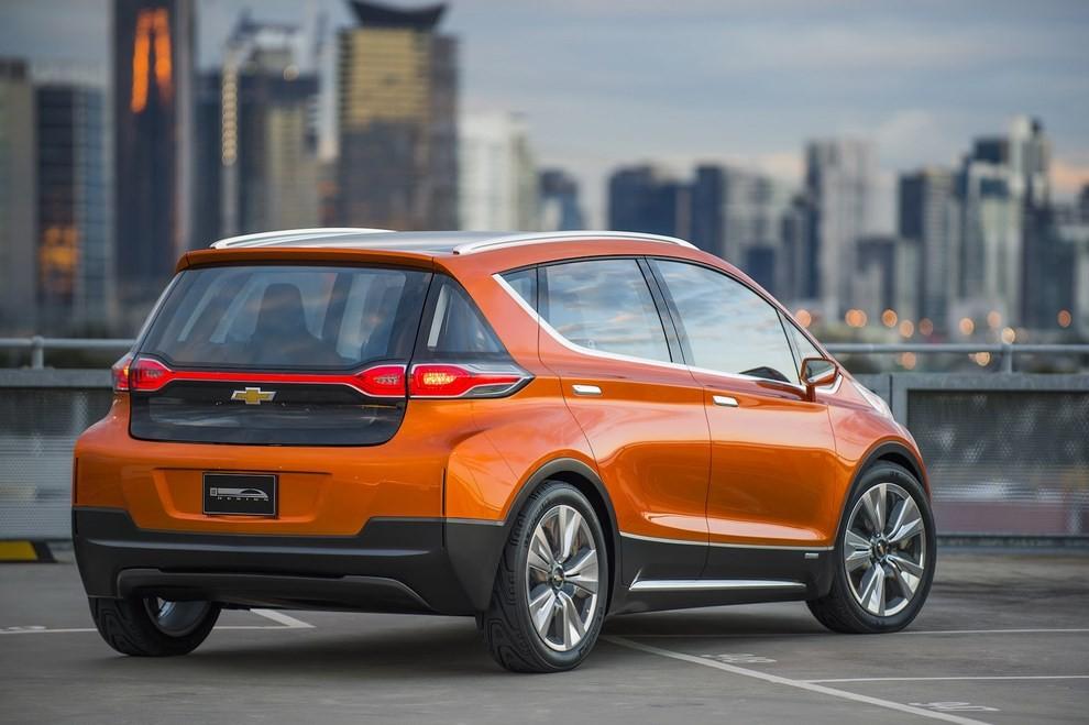Chevrolet Bolt EV: l'elettrica per il salone di Detroit - Foto 7 di 10