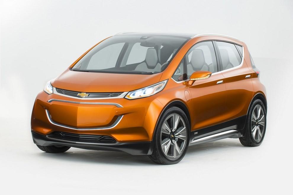 Chevrolet Bolt EV: l'elettrica per il salone di Detroit - Foto 8 di 10
