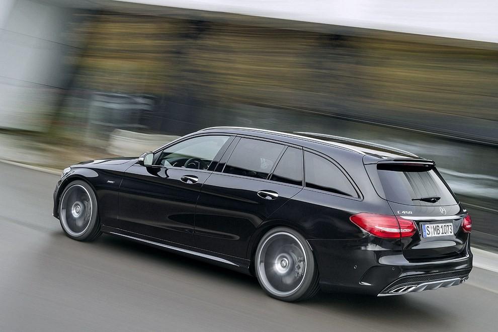 Mercedes Classe C 450 AMG: la nuova versione sportiva - Foto 6 di 16