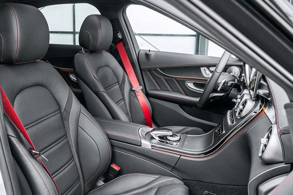 Mercedes Classe C 450 AMG: la nuova versione sportiva - Foto 7 di 16