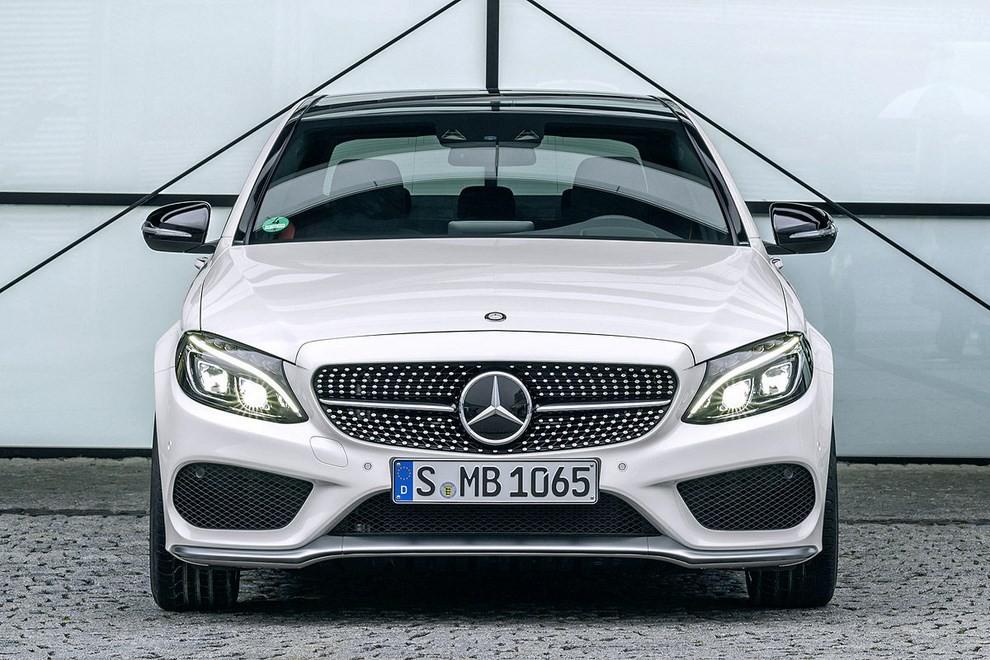 Mercedes Classe C 450 AMG: la nuova versione sportiva - Foto 10 di 16