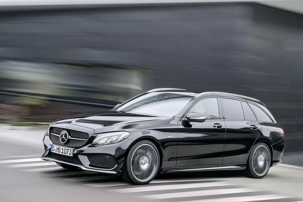 Mercedes Classe C 450 AMG: la nuova versione sportiva - Foto 12 di 16