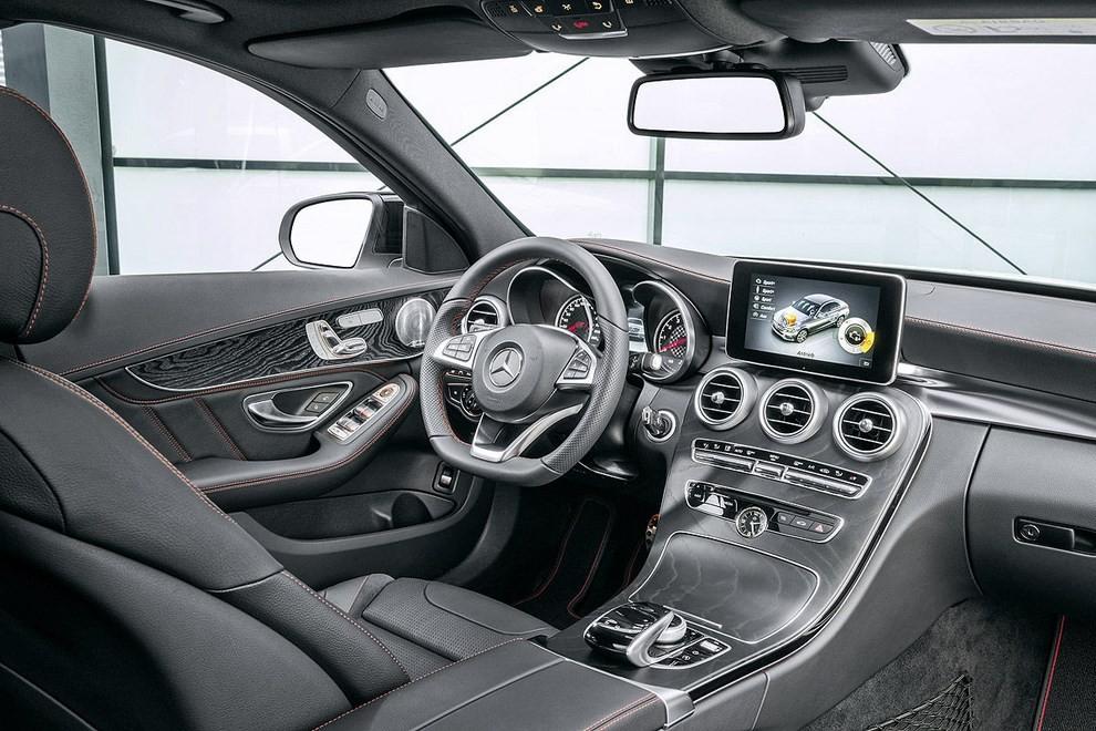 Mercedes Classe C 450 AMG: la nuova versione sportiva - Foto 15 di 16